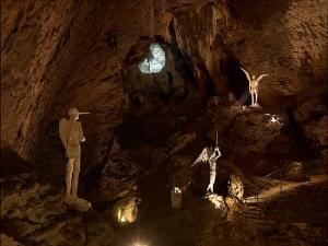 Sans titre, David Altmejd - Écriture de lune, Jean Daviot - Grotte du Mas d'Azil - 2009 (c) André Morin